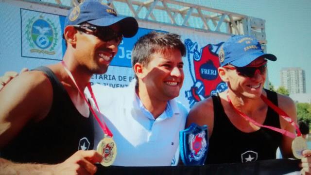 Rodrigo Vizeu prestigiando nossa regata e fazendo a premiação. Grande parceiro da SUDERJ
